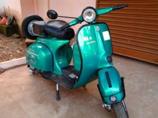 Bajaj Cub Price Images Colours Mileage Specs Amp Reviews