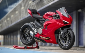 Ducati Panigale V2 Launched In India