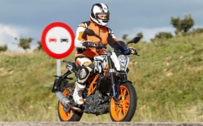 Spied: KTM Duke 390 & Duke 200 Face lifted- Could That Be Adventure Avatar Of Duke Duos?