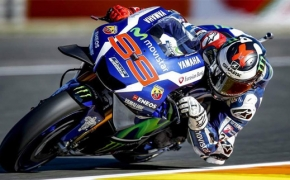 2016 MotoGP- Jorge Lorenzo takes Pole in his final race for Yamaha