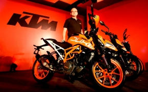 KTM Launches All New Duke 390 And Updated Duke 200