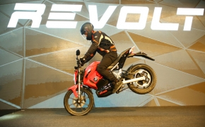 Revolt Intellicorp Unveils RV400 E-Motorcycle