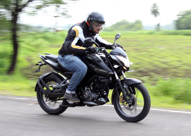 Bajaj Bike Reviews India, Road Test Reviews & Test Rides