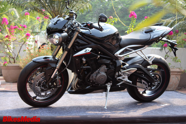 2017 Triumph Street Triple Rs All You Need To Know Bikesmediain