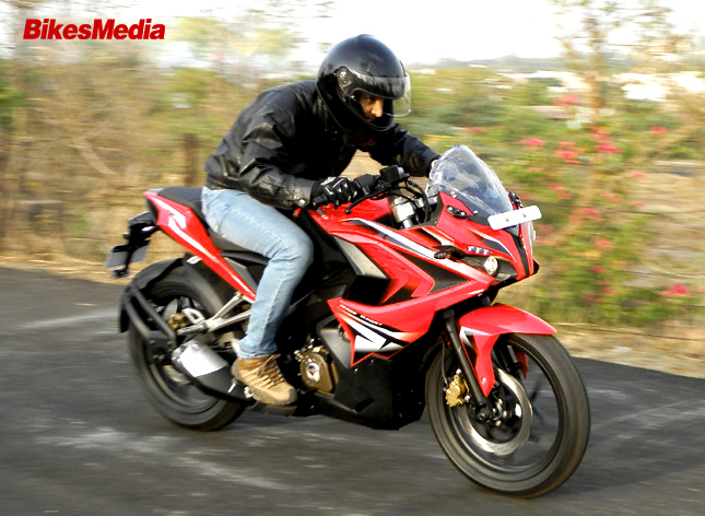 Pulsar 200 RS Vs Honda CBR 250R- Battle of full-faired Sport