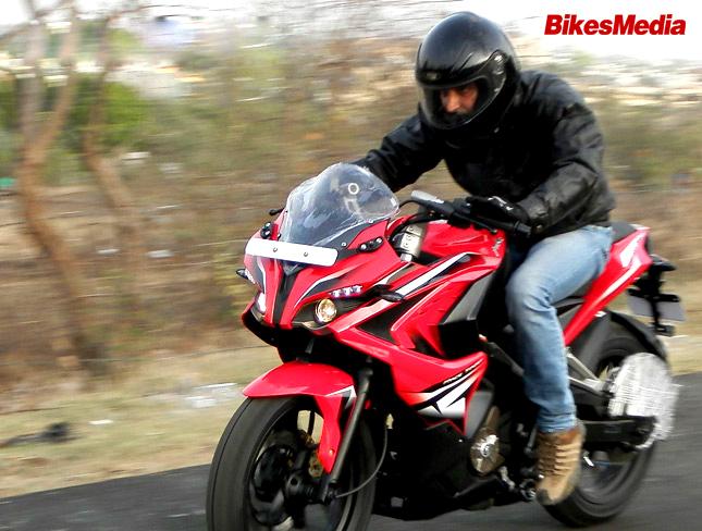 Pulsar 200 RS Vs Honda CBR 250R- Battle of full-faired Sport-tourers