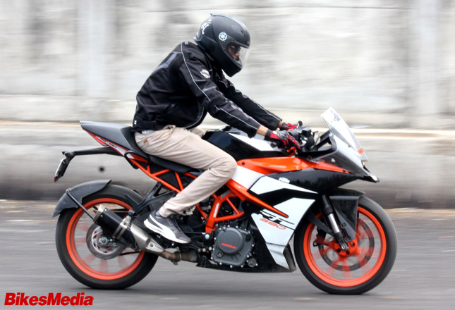 Tvs Apache Rr 310 Vs Ktm Rc 390 Comparison Shootout