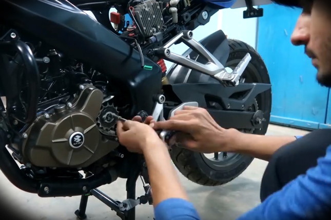 Bajaj Pulsar 200NS Reviews, First Rides, Road Tests & Test